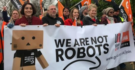 ILO-Amazon_we_are_not_robots-678x355.jpg