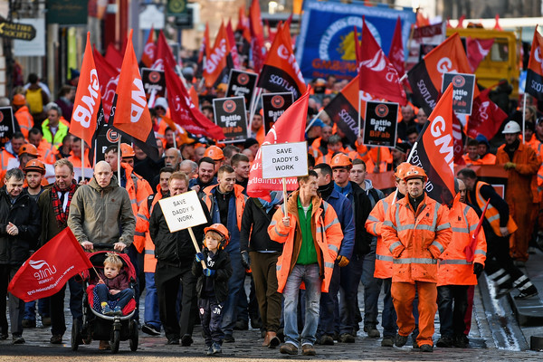 ILO-BiFab+Workers+March+Scottish+Parliament+_LzB2Ygte1Ol.jpg