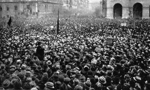 20190516 - A_Tanácsköztársaság_kikiáltása_-_1919._március_21,_Kossuth_tér.jpg