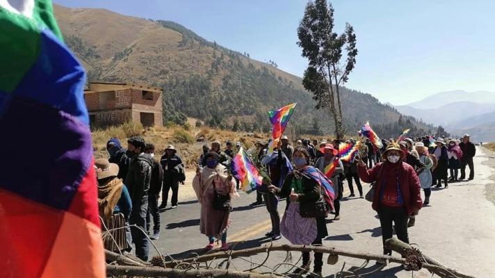 20200812 - Kawsachun News = Bolivia-road-blockade-2