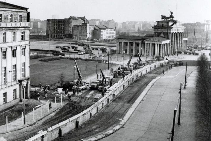 Berlin-Wall-1961