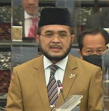 20200903 - Nik-Muhammad-Zawawi-Salleh-and-Ngeh-Koo-Ham-dewan-rakyat (2)